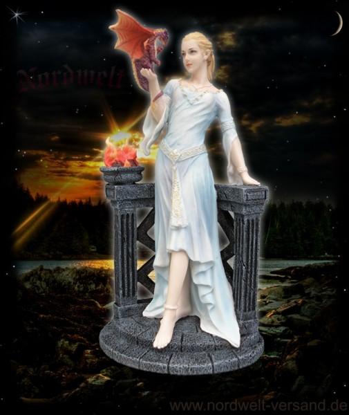 Drachenkönigin Fee mit Drache Polyresin Kunststein