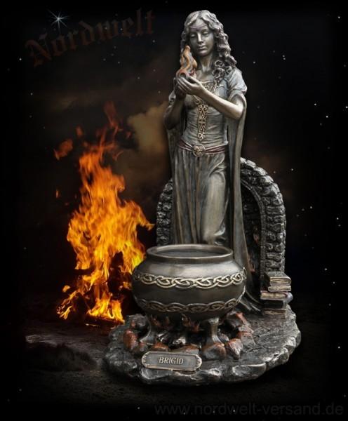 Keltische Göttin des Feuers, bronzefarbend
