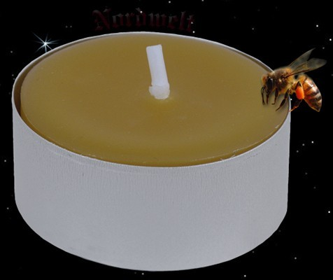 Teelicht aus Bienenwachs