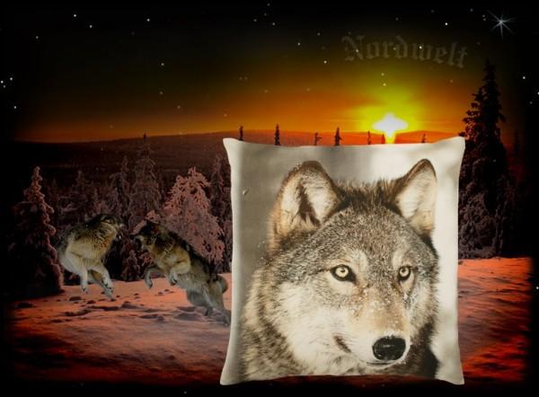 """Kissen """"Winter Wolf"""" (rechts schauend), 50 x 50 cm"""