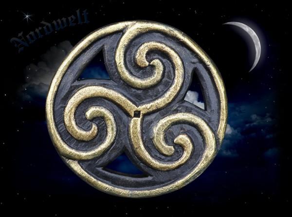 Sonnenrad Wandrelief Triskele aus Holz Sonnensymbol geschnitzte Dreierspirale