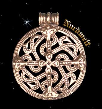 Anhänger Borrestil Wikinger Tierköpfe Schlangenmuster Bronze Schmuck Finnland Borre Ornamente