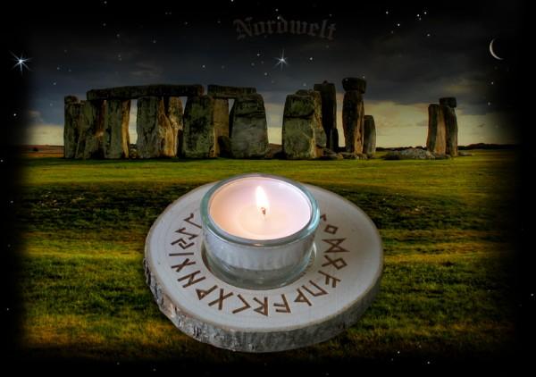 Runen Teelichthalter mit 24er Futhark Teelicht mit Rune