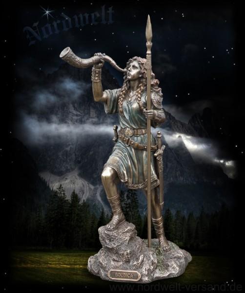 Boudica, keltische Königin, bronzefarbend