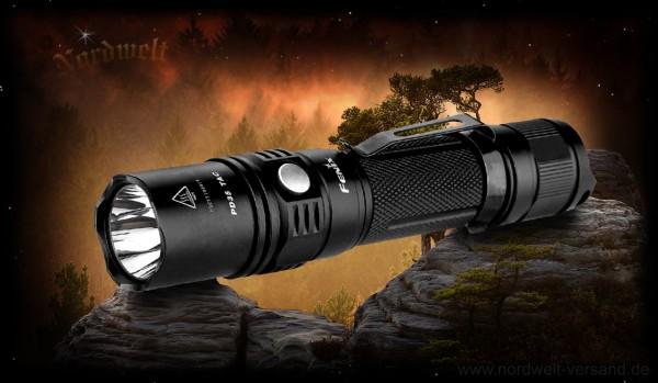 Leistungsstarke Taschenlampe Fenix PD35 Tactical